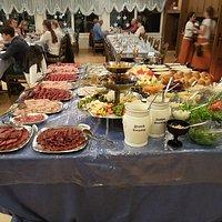 Une chinoise à  gogo  Le rêve  9 sortes de viande Les vendredis  Crocodile par exemple