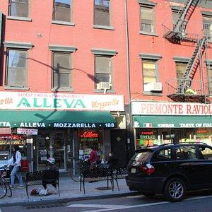 Piemonte Ravioli - Store front