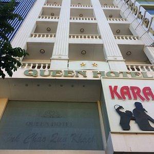 Front of Queen Hotel, Pleiku