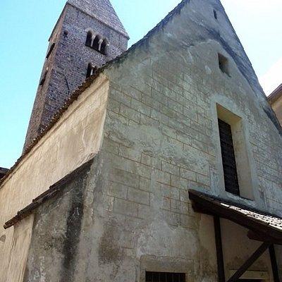 фасад и колокольня