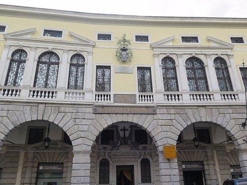 Элегантный неоклассический фасад