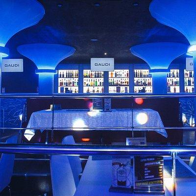Клуб GAUDI танцпол первый этаж