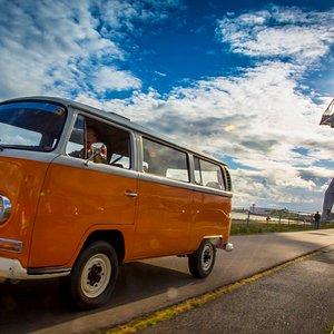 combi bus de 1969 disponible pour vos balades en famille et vos evenements