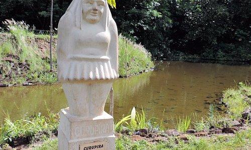 Estátua do curupira