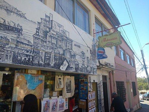Loja próxima ao mirador Pablo Neruda