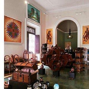 Interior estilo galeria de arte/museo
