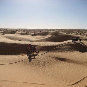 Tour moto enduro Tunisia - Deserto Sahara