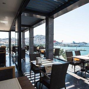 Restaurant at the Ilayda Avantgarde Hotel