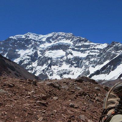 Descansando frente al Aconcagua
