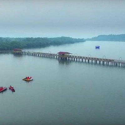 Vayalapra Floating Park