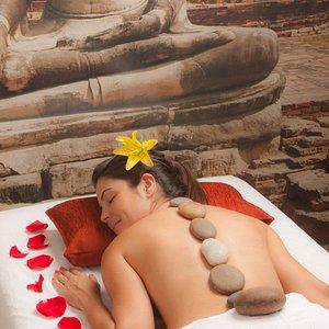 Massagem Pedras Quentes, equilibrio e relaxamento.