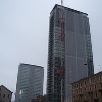 esterno con Grattacielo Pirelli in secondo piano