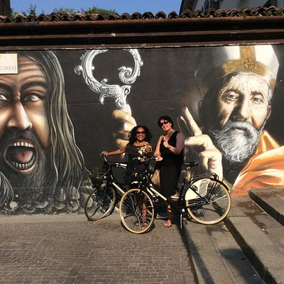 Our guests during the Bike Tour & Street Art discovery