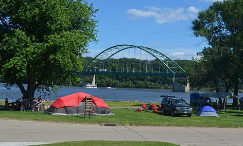 Camp along the Mississippi River in Dubuque, Iowa