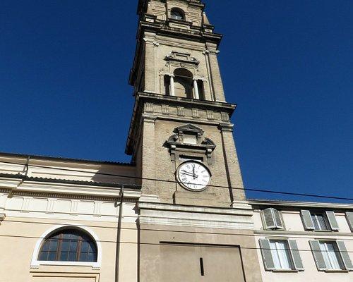il campanile con l'orologio