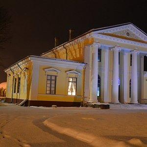 Вилла Медем (Villa Medem, 1818), резиденция Жанно Медема в Елгаве.