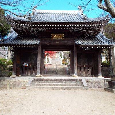 神呪寺の山門