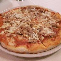 Pizza al Tonno. Knusprig ist anders...
