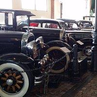 Muzeum motoryzacji, wnętrze.