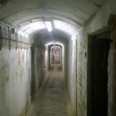 Reste der einstig weiträumigen Bunkeranlage