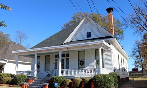 Dexter Parsonage Museum - Dr. King's residence while the pastor of the Dexter Avenue Baptist Chu