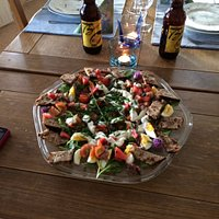 Nyhet! Nu kan du förbeställa middag samma dag före kl 10 för att äta i Sörbygårdens gårdskök!