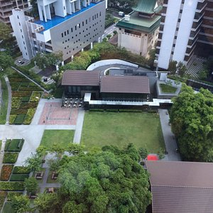 Awesome garde at heart of the city.. Lush green and very we'll maintained.. Nice place to relax