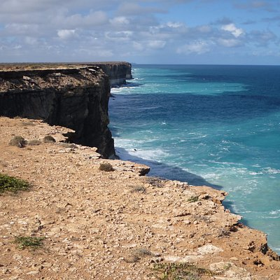 Bunda Cliffs near the runway and the first viewing point
