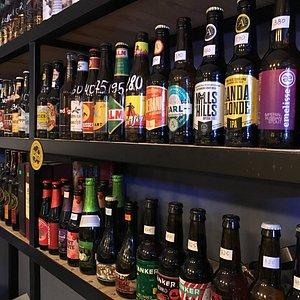 Более 200 позиций импортного и отечественного крафта в бутылках по очень доступным ценам