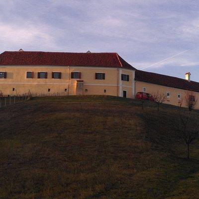 Schloss Tabor im Dezember kurz vor Sonnenuntergang