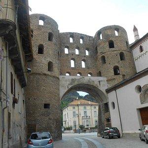 Porta Savoia