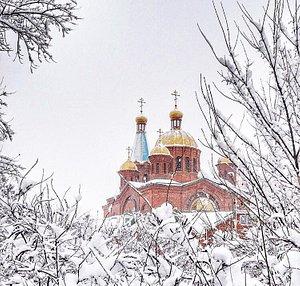 Храм со стороны реки Кубань