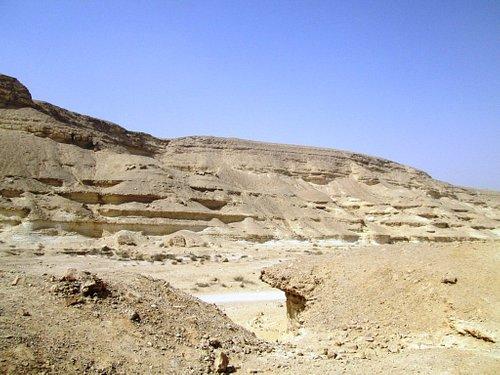15 kilometers of desert road