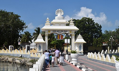 Nagadeepa vihara entrance