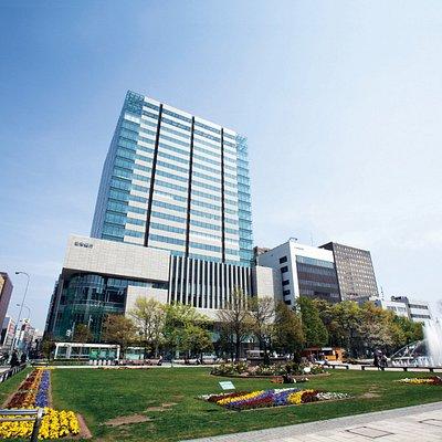 大通ビッセ外観です。大通ビッセは札幌市中央区大通西3丁目の高層ビル(北洋大通センター)の低層部地下から4階までの商業施設です。