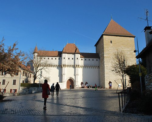 chateau d' annecy