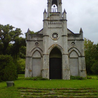 Capilla gótica en Río Blanco, Campo Quijano