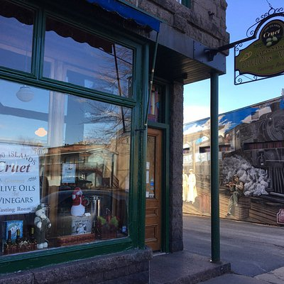 Cruet Gourmet Olive Oils & Vinegars - store front