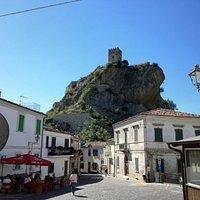 Piazza vista Castello