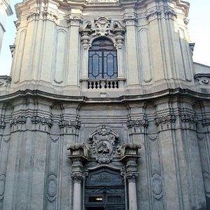 Vista della facciata