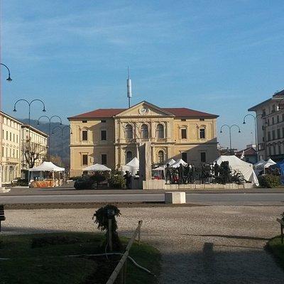 Piazza del Popolo vista dalla Villa Comunale