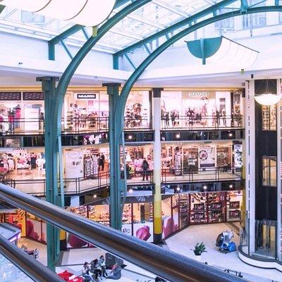 Vista interior del mall