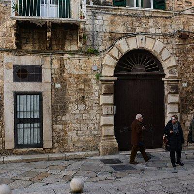 Palazzo antico con innesti moderni