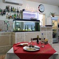 interno sala pizzeria/ristorante