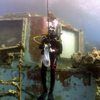 Custo Diving Club