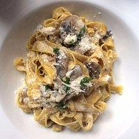 Tagliatelle al Funghi ith Shiitake and Portobello mushrooms, cream and parsley