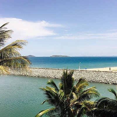 I don't think you will be disappointed whilst visiting Harbour Beach Mackay. The breakwater and