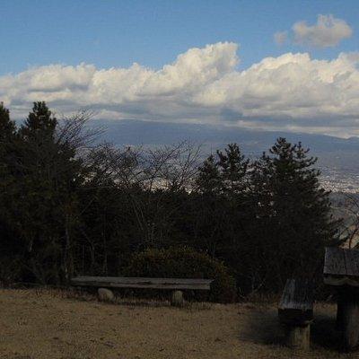 雲で富士山が隠れている。駿河湾も見えます。
