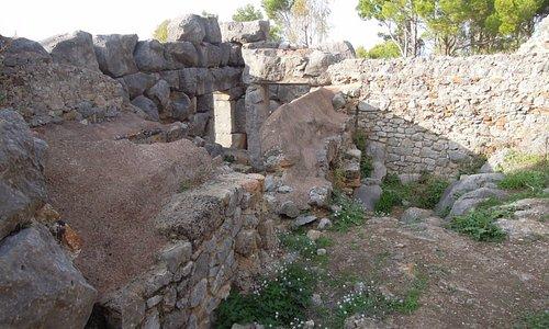 Храм Дианы на скале