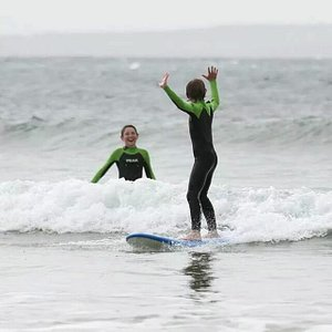 Learn to surf Phillip Island. Archysurf